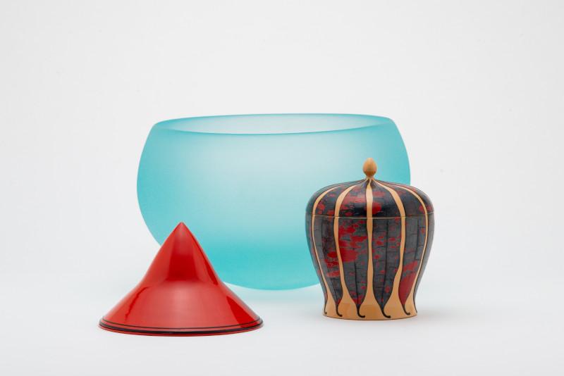 朱漆香水入、クロトン文色漆小物入、ガラス鉢「ゆれる器」
